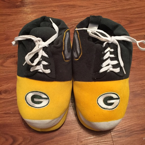 105fa282 💚Boys Green Bay Packer Slippers💚